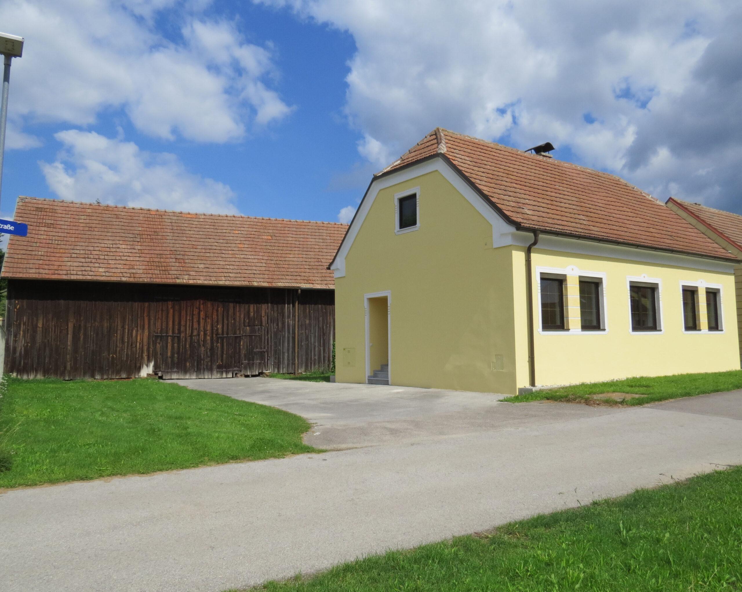 2011 Unterhautzental (Sierndorf): Neu saniertes Einfamilienhaus auf 1 Wohnebene mit kleinem Garten